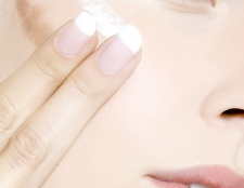 Як підібрати колір тонального крему