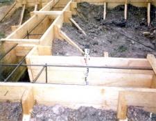 Як залити фундамент під будинок