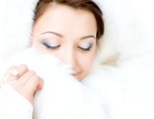 Як почистити білу шубу